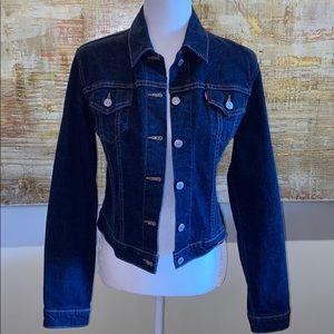 Levi women's Jean jacket dark wash